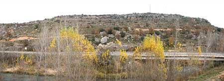 El cerro de Villavieja sobre Trillo